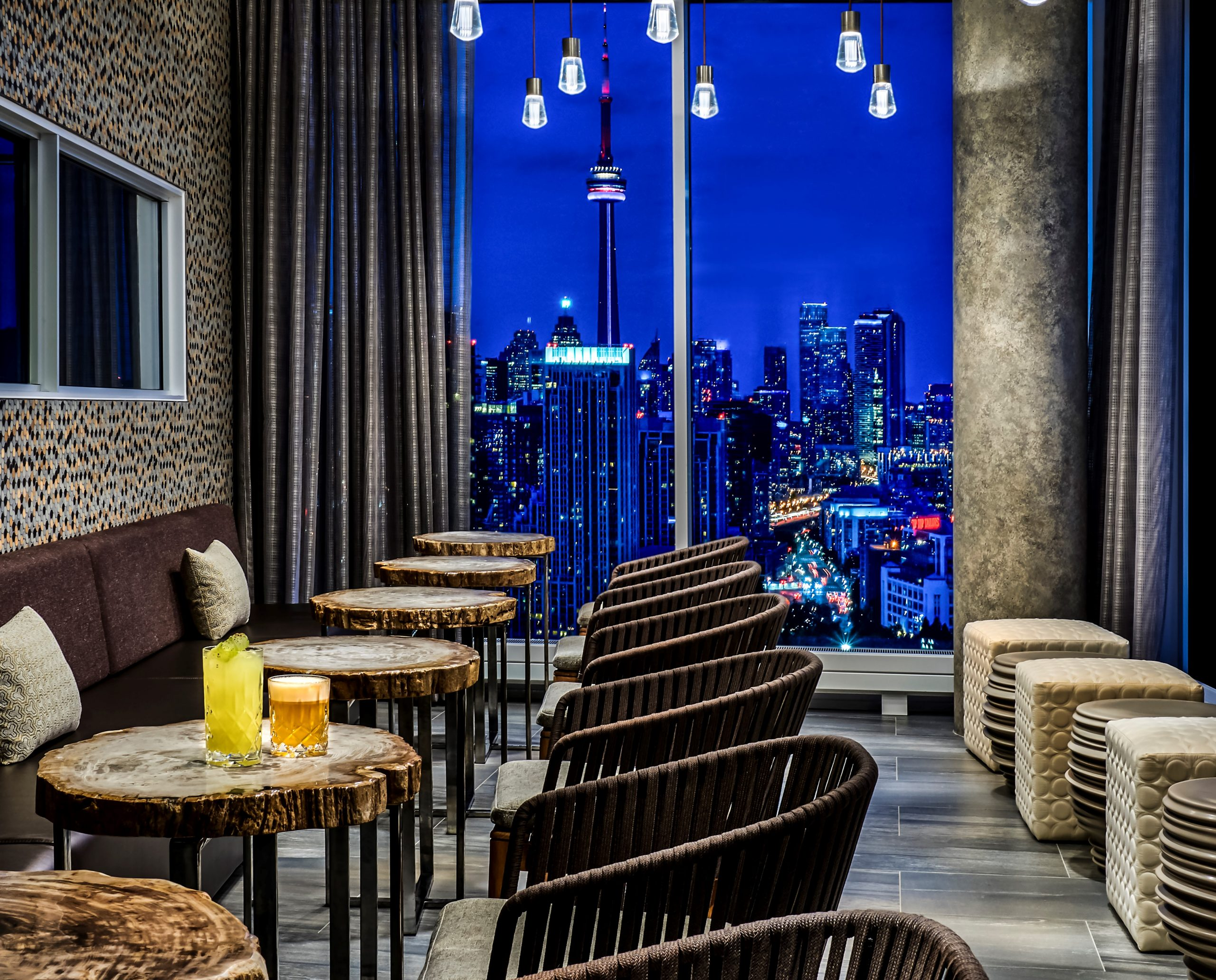 hotel x toronto bar